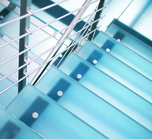 """""""Mocowanie punktowe do szkła na schody"""