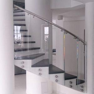 LinealSYSTEM - Szklana mocowana balustrada z poręczą