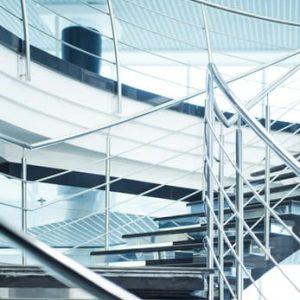 LinealSYSTEM - mocowanie do schodów metalowych z balustradą